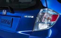 Kuni 2014 Honda Fit EV exterior.jpg